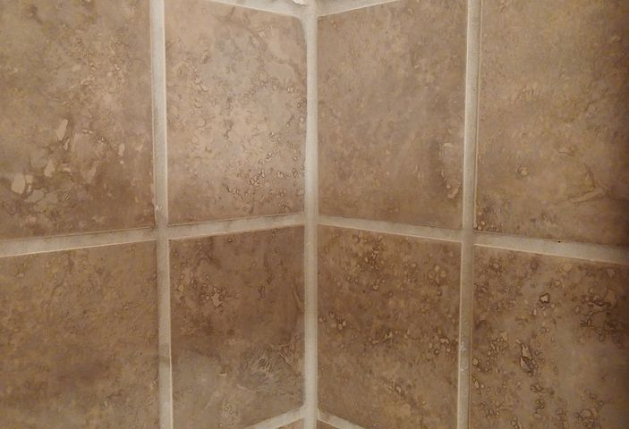 tile-caulking
